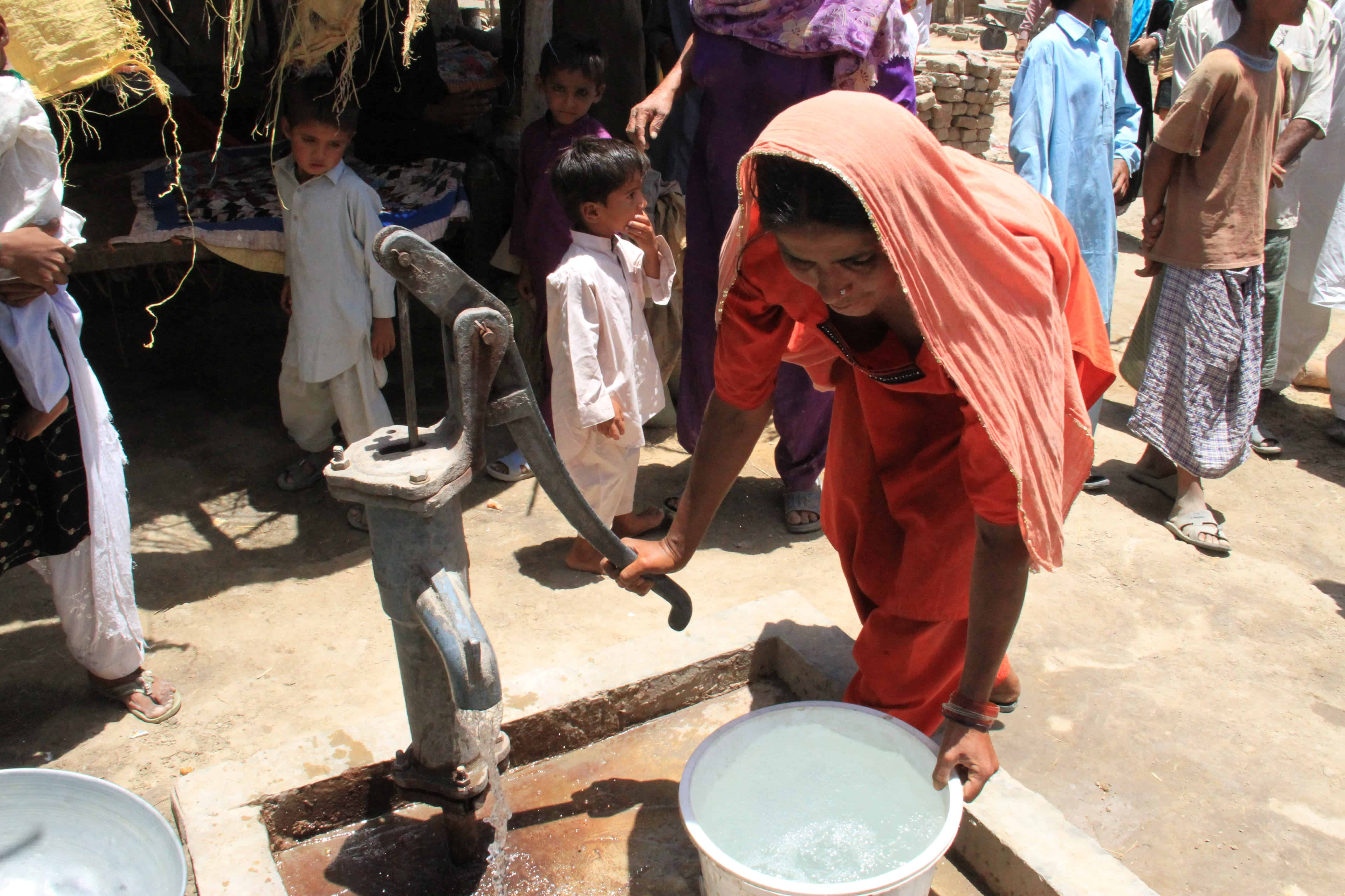 water as human right, a case study of pakistan india water conflict A recent study, global land and water  has asserted that water, a human right, has a market price  standing kashmiri conflict between india and pakistan.